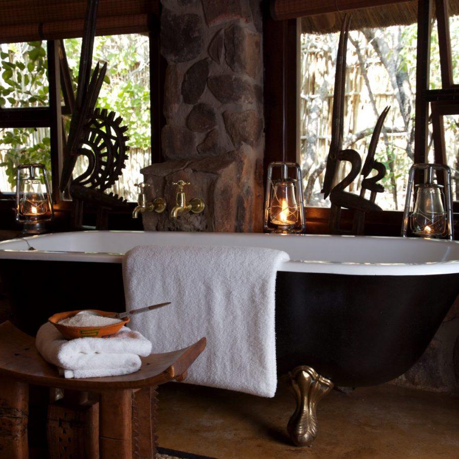Find peace in the exclusive Makweti Safari Lodge 6